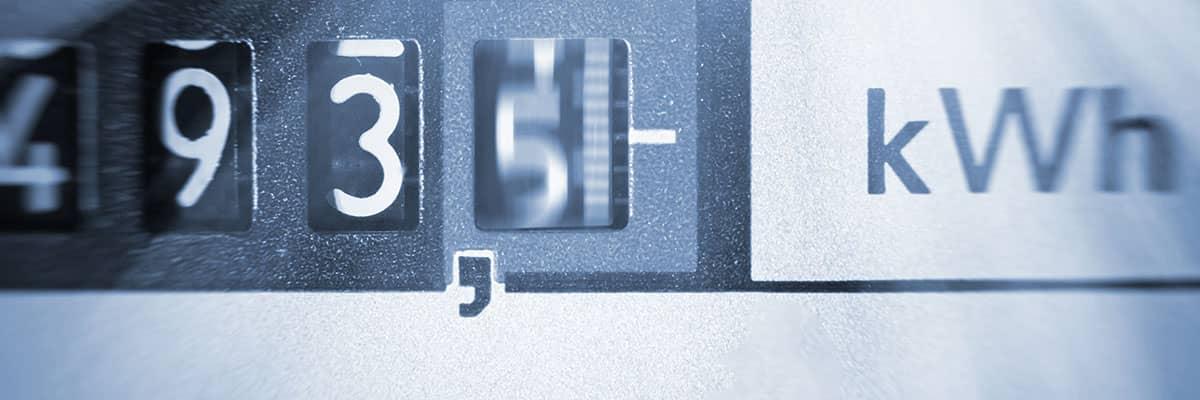 Energie sparen: Blick auf den Stromzähler